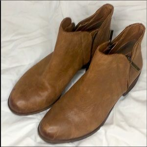 Lucky brand brenon  boots size 6